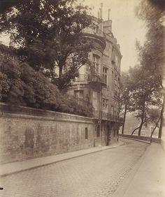 """Eugene Atget, """"Hotel Lambert"""" (1900)"""