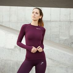 Tops to match your famme tights Foto Sport, How To Do Yoga, Wetsuit, Tights, Bra, Long Sleeve, Swimwear, How To Wear, T Shirt