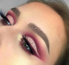 makeup using only kajal makeup palette makeup brushes zoeva eye makeup tutorial makeup looks easy makeup vogue makeup jaclyn hill palette makeup dp Eye Makeup Glitter, Glam Makeup, Skin Makeup, Makeup Inspo, Eyeshadow Makeup, Makeup Art, Beauty Makeup, Makeup Ideas, Cut Crease Eyeshadow
