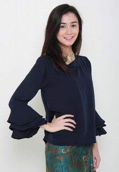 Meisie Flare Sleeves Top from Naphthys Collection in navy_2