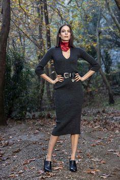 Πλεκτό midi φόρεμα V σε ανθρακί χρώμα – onesize Winter, Sweaters, Dresses, Fashion, Winter Time, Vestidos, Moda, Fashion Styles, Pullover