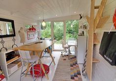 Home garden office. Barn Loft, Garden Office, Corner Desk, Tiny House, Home And Garden, Windows, Building, Interior, Craft Rooms