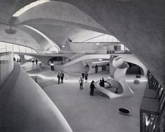 "TWA Flight Center New York, Eero Saarinen ""Concrete liberates"", wrote a young Le Corbusier (then Charles-Édouard Jeanneret) nearly a hundred years ag. Eero Saarinen, Amazing Architecture, Interior Architecture, Architecture Collage, Organic Architecture, Twa Flight Center, Queens New York, Concrete Building, Googie"