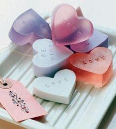 Como hacer jabones de glicerina para tu boda.  How to make glycerin soaps for your wedding.