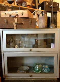 This case would be lovely for storing vintage goodies