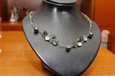 Vi auguriamo uno splendido #Buongiorno con questa #collana lavorata all'uncinetto con fili di silver e madre perla striata.  Scoprila qui: http://gianclmanufatti.wix.com/giancl---manufatti#!gioielli-preziosi/cyuy