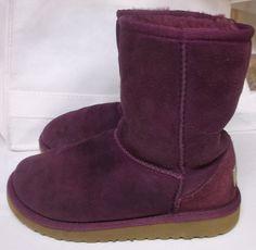 UGG AUSTRALIA GIRLS PURPLE Suede Winter Boots Sheepskin Lining Size 1 M Girls #UGGAustralia #Boots #everyday