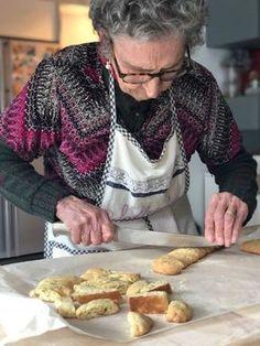 Italian Cookie Recipes, Italian Cookies, Italian Desserts, Biscotti Biscuits, Biscotti Cookies, Biscuit Dessert Recipe, Dessert Recipes, Cantuccini Recipe, Grandma Cooking