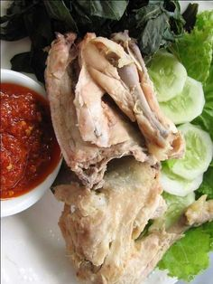 If you are looking for better Resep Ayam Pop Masakan Padang cooking recipes you've come to the right place. Food N, Food And Drink, Samba, Indonesian Cuisine, Indonesian Recipes, Malay Food, Asian Kitchen, Asian Recipes, Ethnic Recipes