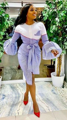 Short African Dresses, Latest African Fashion Dresses, African Print Fashion, Mode Outfits, Chic Outfits, Fashion Outfits, Dress Outfits, Style Fashion, Classy Work Outfits