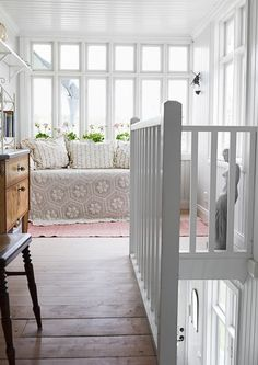 This white country house is located on Vätö, Sweden. Inside the cottage there is a fine balance between old and new, casual and unique. Scandinavian Interior, Home Interior, Interior Design, Pattern Floral, Cozy Nook, Archipelago, Cottage Style, My Dream Home, Interior Inspiration