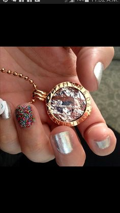 Match your Mi Moneda to your nails ; Coin Jewelry, Jewellery, All That Glitters, Crown Jewels, Diamond Earrings, Jewelry Accessories, Nail Polish, Bling, Pure Products
