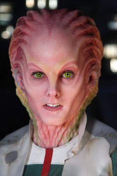 "Joel Harlow's amazing species designs for ""Star Trek Beyond"" Face Off Makeup, Makeup Fx, Body Makeup, Alien Female, Tribal Makeup, Prosthetic Makeup, Monster Makeup, Star Trek Beyond, Alien Concept Art"