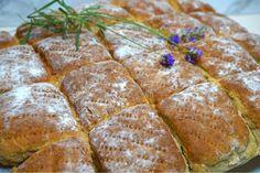Grovt morotsbröd i långpanna Good Food, Yummy Food, Tasty, Fun Food, Bread Baking, Baked Goods, Food To Make, Sandwiches, Goodies