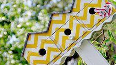 Abris oiseaux jaune et blanc motif chevron