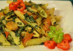 Cantinho Vegetariano: Penne com Espinafre Cremoso e Tomate (vegana)