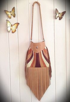 Kaleidoscope Fringe Bag by nativerainbow on Etsy Fringe Handbags, Fringe Bags, Leather Bags, Leather Purses, My Bags, Purses And Bags, Sew Wallet, Leather Diy Crafts, Leather