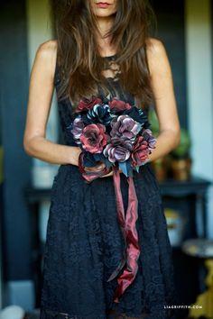 #Halloweenwedding #Frankensteinsbride #BlackRoses #Paperflowers www.LiaGriffith.com