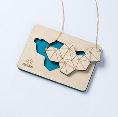 Geometrische Halskette aus Holz // Wooden geometrical necklace by mr.nico via DaWanda.com