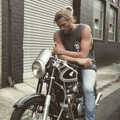 Pin for Later: There Is Legitimately Nothing Sexier Than These 36 Guys With Man Buns So Many Levels of Sexy