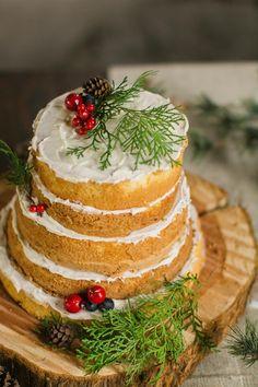 Marianne Lucille Photography |Winter Wedding Ideas | Naked Wedding Cake | Wedding Pie | Salted Caramel Popcorn Favors | Kate Aspen Blog | Roundhouse Railroad Museum | Savannah Georgia