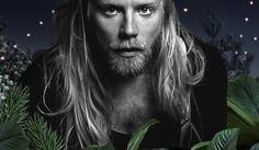 """Högni Egilsson zaprezentuje utwory Gus Gus, Hjaltalin oraz HE w wersjach zupełnie akustycznych przy akompaniamencie fortepianu/gitary. GusGus tworzy muzykę elektroniczną, natomiast Hjaltalin to 7osobowy zespół. Utwory obu miały jednak swój początek przy fortepianie i w ten właśnie, """"surowy"""" sposób, Högni chciałby zaprezentować je polskiej publiczności."""