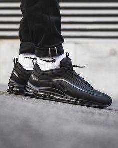 Nike Air Max 97 Ultra: Triple Black