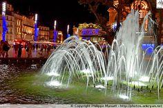 Nocturne Fontaine du Champ de Mars, Place de la Comédie. Montpellier (France / Languedoc-Roussillon-Midi-Pyrénées / Hérault)