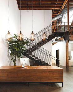 Hacé la diferencia en tu casa inspirándote en estos diseños originales de escaleras metálicas. ¡No te pierdas estas ideas!