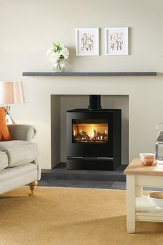 The Gazco Vision Medium is one of the larger gas stove models in the range with a powerful heat output to match, making it a great choice for installing in