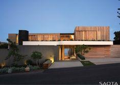 Wooden facade: Modern house design by SAOTA - Architecture Beast Beautiful Modern Homes, Beautiful Home Designs, Elegant Homes, Beautiful Space, Contemporary Beach House, Modern House Design, Design Exterior, Modern Exterior, Residential Architecture