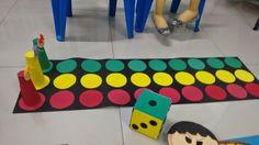 30 Gross motor activities - Aluno OnZar ve renkli kartDice game 2 to 5 players FirstThis Pin was discovered by KadPreschool Activities and Materials Gross Motor Activities, Gross Motor Skills, Activity Games, Math Games, Fun Games, Preschool Activities, Games For Kids, Diy For Kids, Activities For Kids