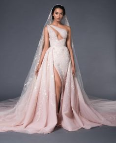 Bridal Dresses, Wedding Gowns, Prom Dresses, Formal Dresses, Wedding Bells, Looks Chic, Queen, Couture Collection, Dream Dress
