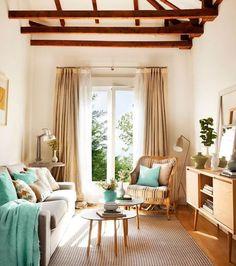 salón pequeño beige, blanco, crema, verde