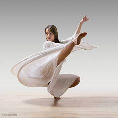 Lois Greenfield Photography : Dance Photography : Daniel Jaber / Hsiao-Hsuan Yang / Timothy Ohl / Clint Lutes by ollie Action Photography, Ballet Photography, Modern Dance Photography, Shall We Dance, Just Dance, Lois Greenfield, Poses References, Dynamic Poses, Dance Movement