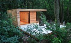 Luxurious Eco Garden Room in London by in.it.studios