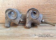 Ram gris de fer foncé bouton buste mouflon moutons par knobpologie
