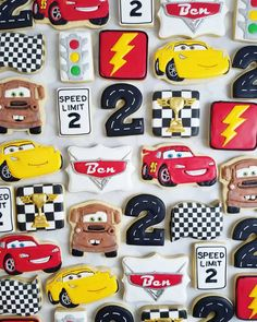 Autos Kekse - Jackson's birthday - Autos Disney Cars Party, Disney Cars Birthday, Cars Birthday Parties, Disney Cars Cake, Car Party, Car Cookies, Disney Cookies, Oreo Cookies, Race Car Birthday
