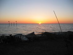Gotta love a beautiful sunset! Camping in Outer Banks, North Carolina Zion Camping, Camping Places, Camping Guide, Camping Spots, Key West Camping, Camping New Zealand, Camping In North Carolina, Camping Jokes, Outer Banks Vacation