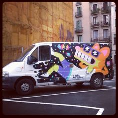 Malarkey on van behind La Boqueria