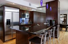Okay, this could change my mind. I definitely want dark cabinets, but this makes me want dark granite countertops to go with it as opposed to light ones? Dark Granite Kitchen, Brown Granite Countertops, Kitchen Countertops, Dark Counters, Black Granite, Kitchen Backsplash, Dark Wood Cabinets, Dark Kitchen Cabinets, Mahogany Cabinets