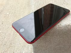 (PRODUCT)RED iPhone 7 Plus Gets Black Front in New Part Swap Video