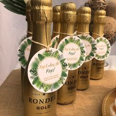 Tropical Baby Shower - Tropical Baby Shower Tags - Tropical Champagne Tags - Invite guests to a collective toast upon Baby's arrival - Personalized #tropicalbabyshower #champagnefavors Baby Shower Tags, Pop Baby Showers, Baby Shower Brunch, Boho Baby Shower, Gender Neutral Baby Shower, Baby Shower Favors, Champagne Pop, Champagne Bottles, Baby Shower Decorations Neutral