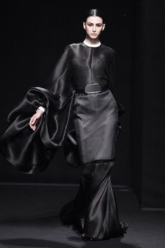 Nick Verreos: RUNWAY REPORT.....Paris Haute Couture Fashion Week: Stéphane Rolland Haute Couture Fall/Winter 2013/2014, Pics + Runway Video