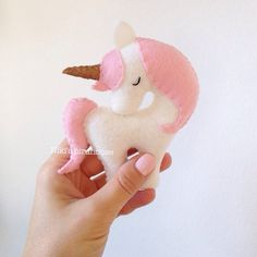 Unicorn with a gold or silver horn - small 10 cm