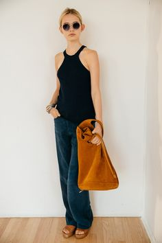 Bucket bag + cute mule shoes | Simon Miller Spring 2016 Ready-to-Wear Fashion Show | NYFW