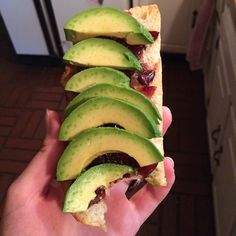 Just an awesome #snack that's quick and easy of you're on your way out! Toasted #rosemarybread with #pickled #cranberryspread and sliced #avocado  #nom #olivegan #vegan #veganism #vegansnack #govegan #veganisbetter #crueltyfree #savetheanimals #cleaneating #meatfree #healthy #cleanlife #happy by oliveganfood