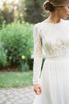 Lovely Lace Antique Detail Gown #vintageweddingdresses