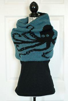 Ravelry: Double Knit Kraken Cowl pattern by kraftling