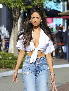 FunFunky.com Eiza Gonzalez Candids IN Torn Jeans in Los Angeles : Global Celebrtities (F)
